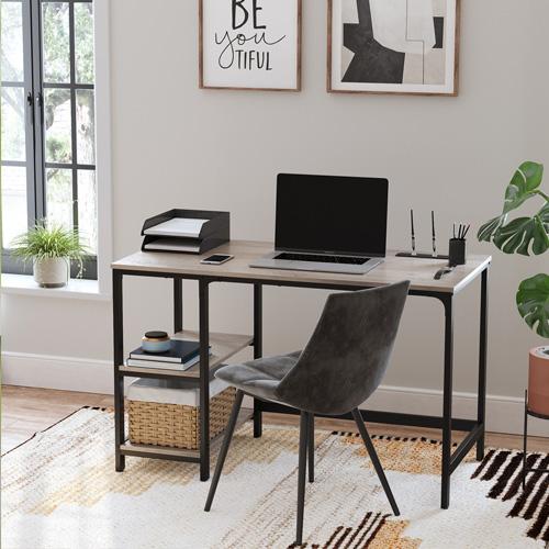 Ein Arbeitszimmer sollte über einen vernünftigen Schreibtisch verfügen, an dem Sie viele kreative Ideen entwickeln können.
